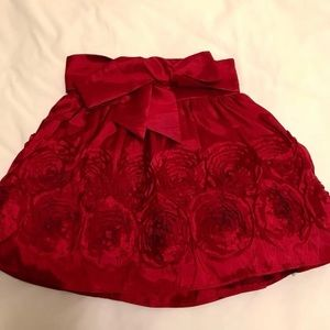 Dresses & Skirts - Red rose appliqué skirt with tulle